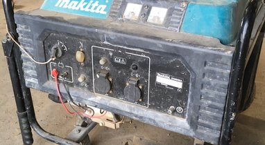 Rental group generator Makita 5800 W Breteuil €23